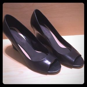 Franco Sarto Black Leather Peep-Toe Wedges sz8.5